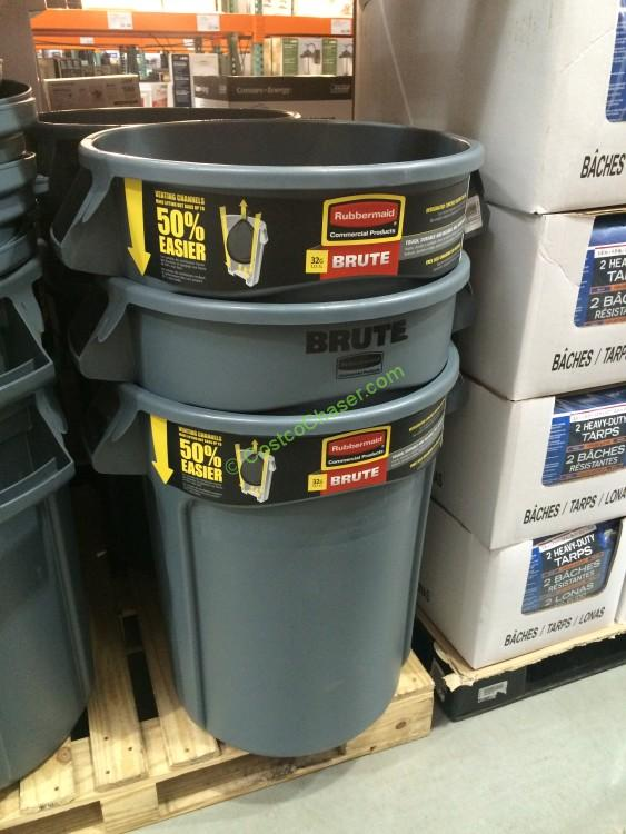 Rubbermaid Brute 32G Trash Can with Lid