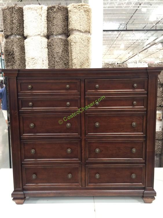 Universal Broadmoore Gentleman's Chest