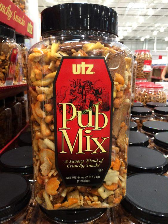 UTZ PUB Mix 44 Ounce Container