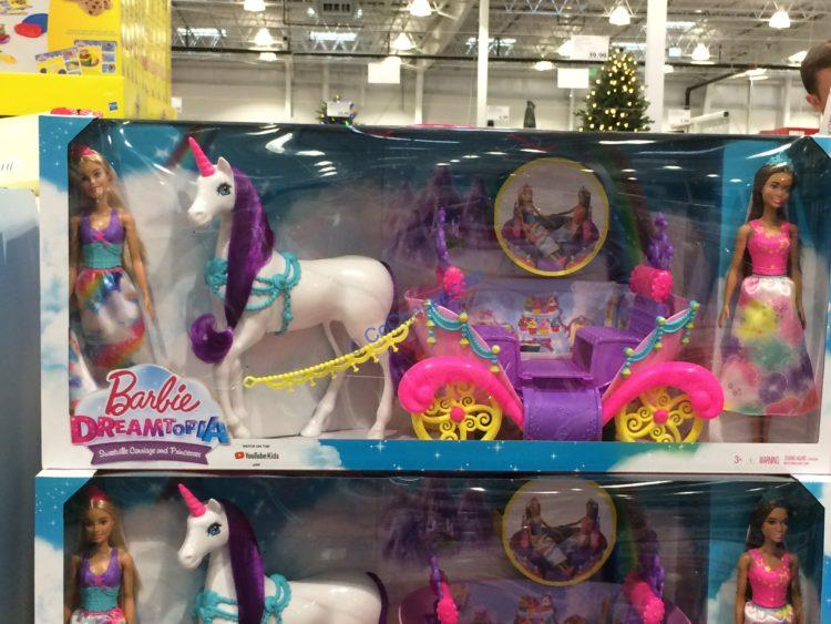 Barbie Dreamtopia Sweetville Carriage and Princesses