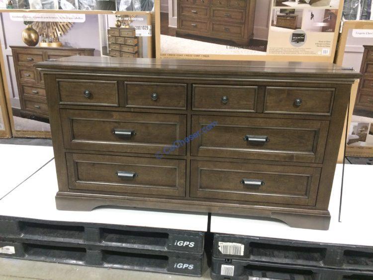 Universal Broadmoore A Dresser, Universal Broadmoore Furniture Reviews